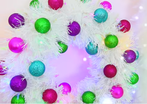DIY-Tinsel-Wreath